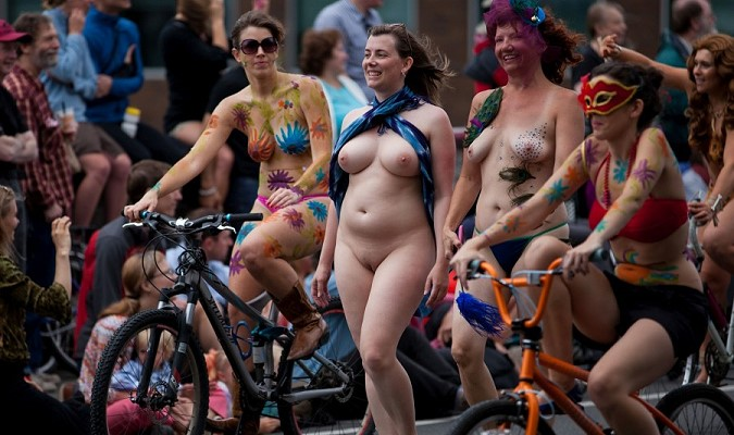 GIRLS ON BIKES 04