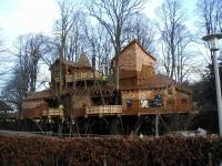 Amazing Treehouses 02