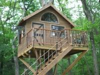 Amazing Treehouses 20