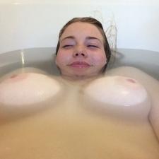Bathtime 09