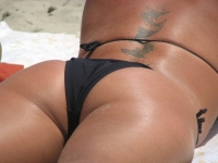 Beach Butts 06