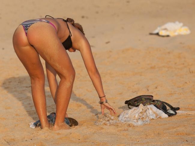 Beach Butts 02