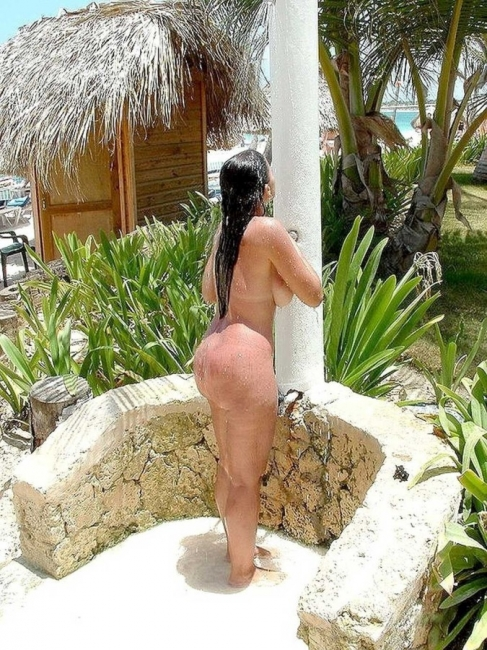 Beach Shower 07