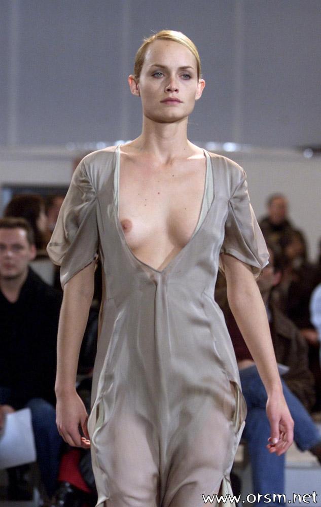 Catwalk Nips 02