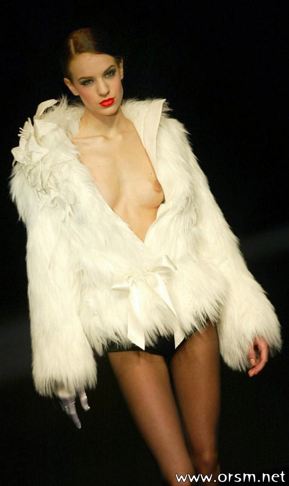 Catwalk Nips 19