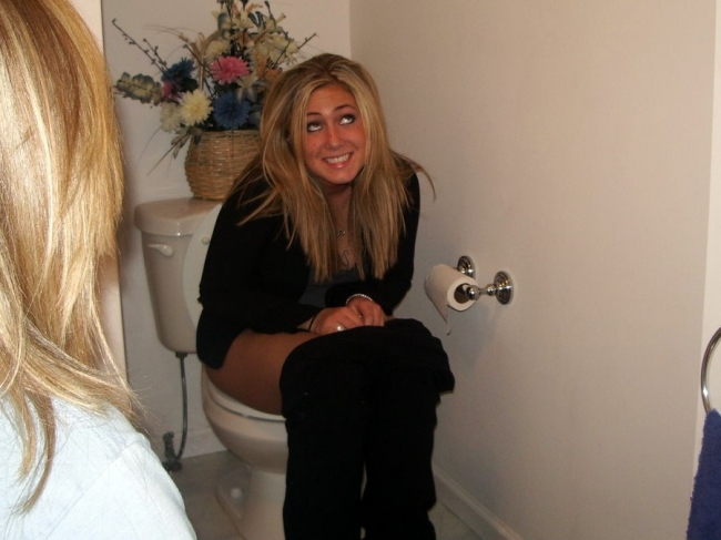 Girls Caught Sitting On The Loo 09