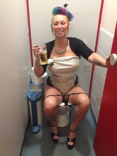 Girls Caught Sitting On The Loo 20