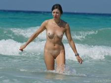 Girls Frolicking In The Surf 03