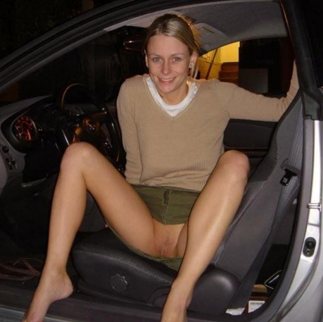Girls In Cars 14