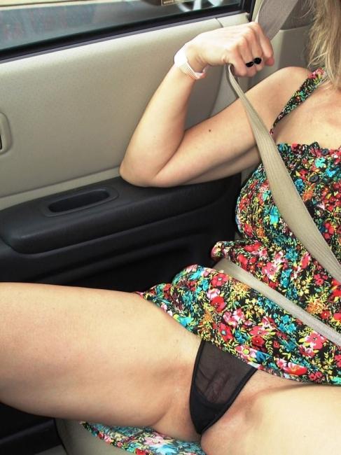 Girls In Cars 33