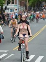 Girls On Bikes 02