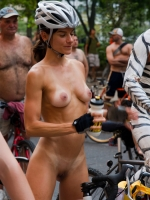 Girls On Bikes 33