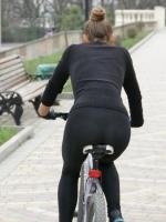Girls On Bikes 09