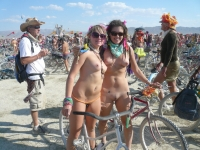 Girls On Bikes 20