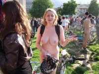 Girls On Bikes 21