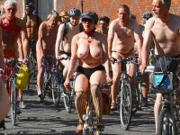 Girls On Bikes 25