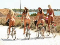 Girls On Bikes 26