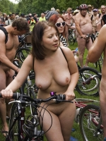 Girls On Bikes 34