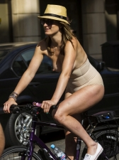 Girls On Bikes 06