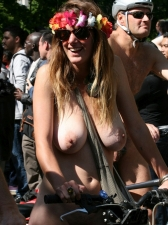 Girls On Bikes 30