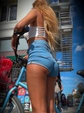 Girls On Bikes 27