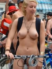 Girls On Bikes 28