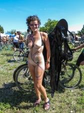 Girls On Bikes 31