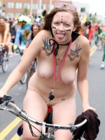Girls On Bikes 13