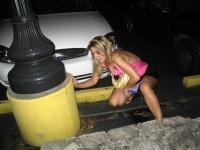 Girls Peeing 04