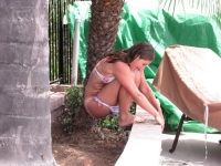 Girls Peeing 15