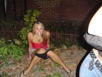 Girls Peeing 09
