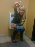 Girls Peeing 08
