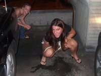 Girls_peeing_11