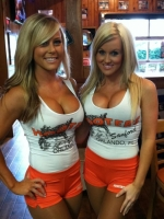 Hooters Hotties 28
