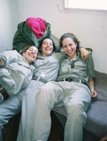 Israeli_army_chicks_02