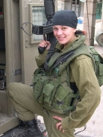 Israeli_army_chicks_03