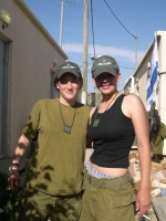 Israeli_army_chicks_04