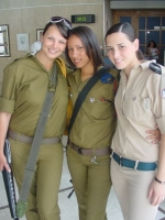Israeli_army_chicks_08