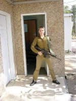 Israeli_army_chicks_10