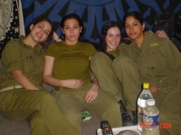 Israeli_army_chicks_12