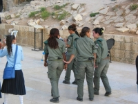 Israeli_army_chicks_15