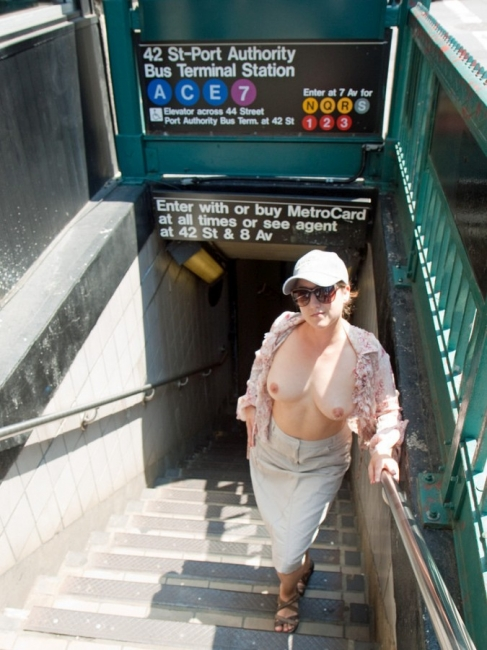 Nude In New York 18