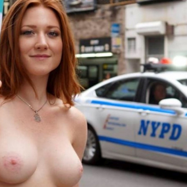 Nude In New York 19