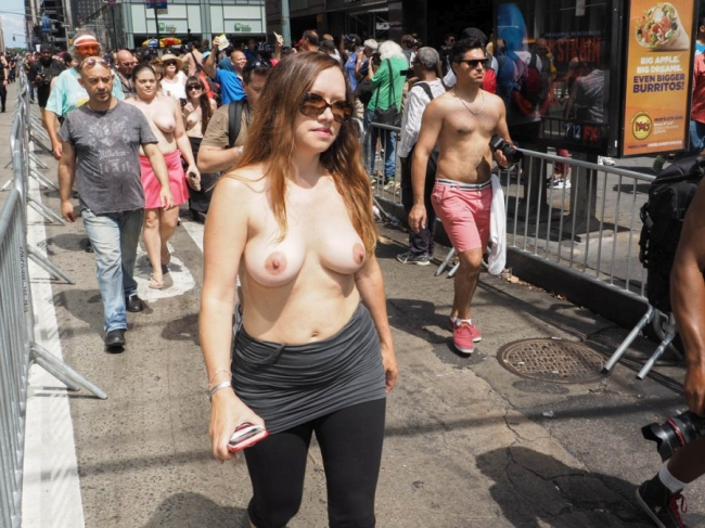 Nude In New York 23