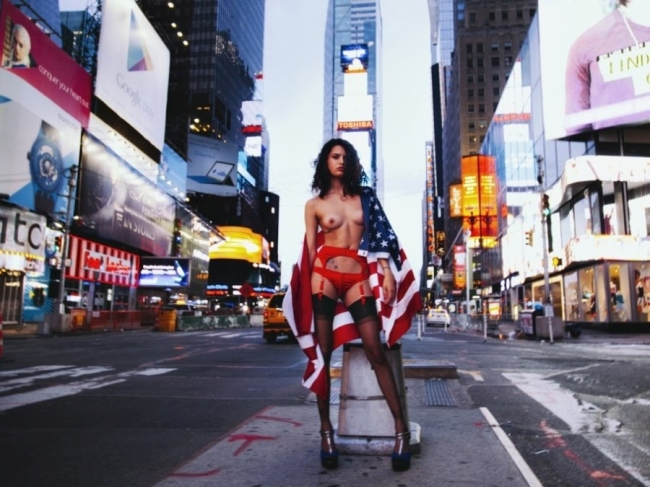 Nude In New York 33
