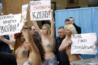 Nude Protesters 03