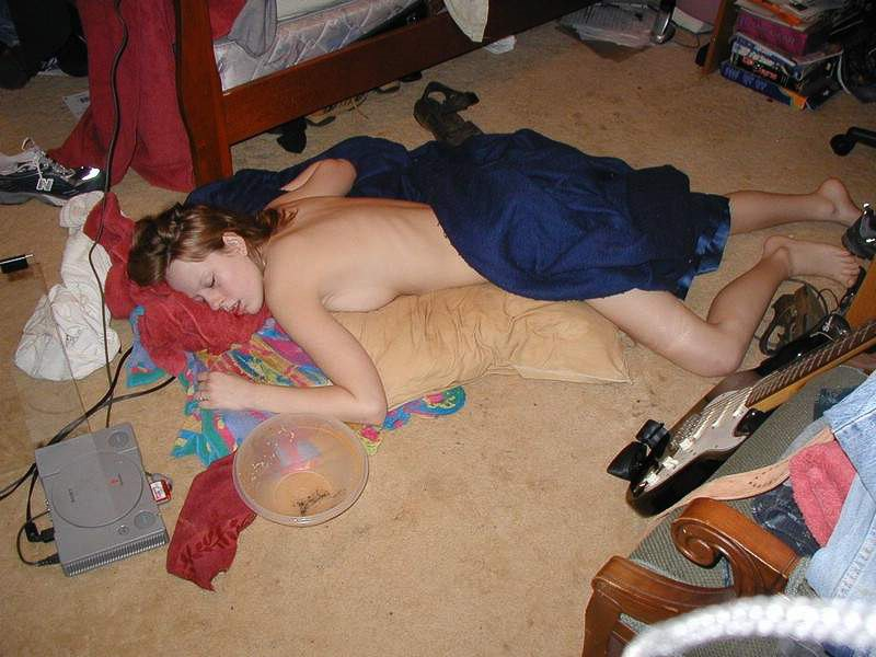 Passed out bitches, young models naked at see
