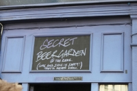 Pub Signs 09