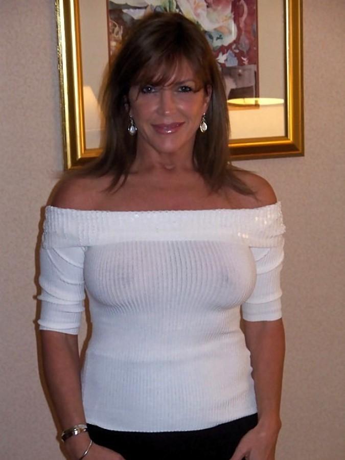фото прозрачная блузка голых женщин