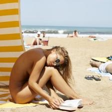 Shhhh Im Reading 03 22